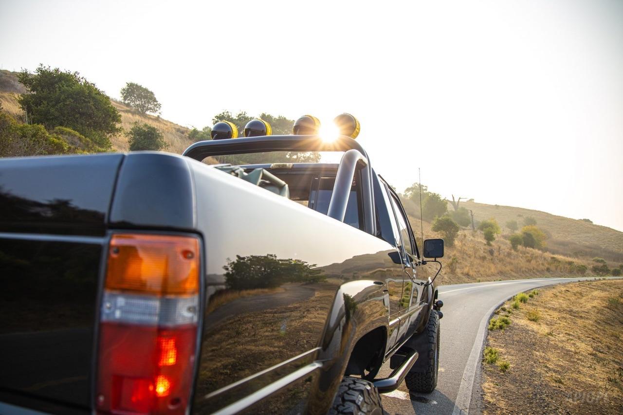 Toyota SR5 Xtra Cab... Y'a pas que la De Lorean ! 4