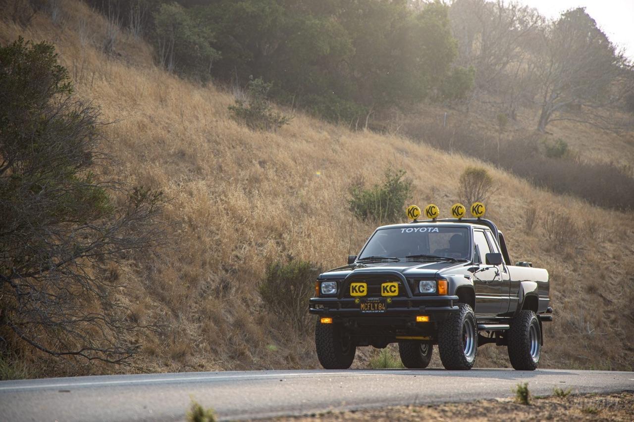 Toyota SR5 Xtra Cab... Y'a pas que la De Lorean ! 1