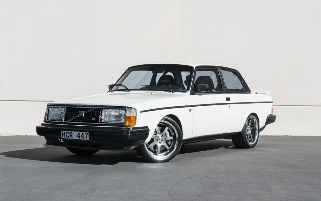 Volvo 242 swap T5R – Le parpaing viking