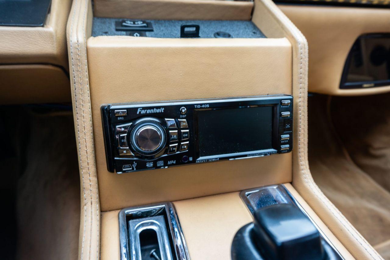 Aston Martin Lagonda de 1983 en V8 LT1 - Apportez le défibrillateur ! 38
