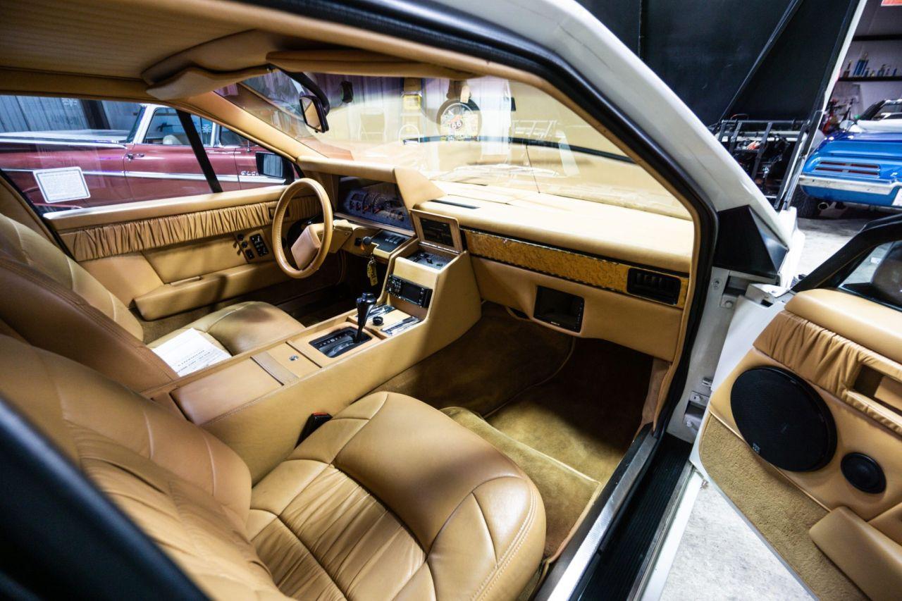 Aston Martin Lagonda de 1983 en V8 LT1 - Apportez le défibrillateur ! 32