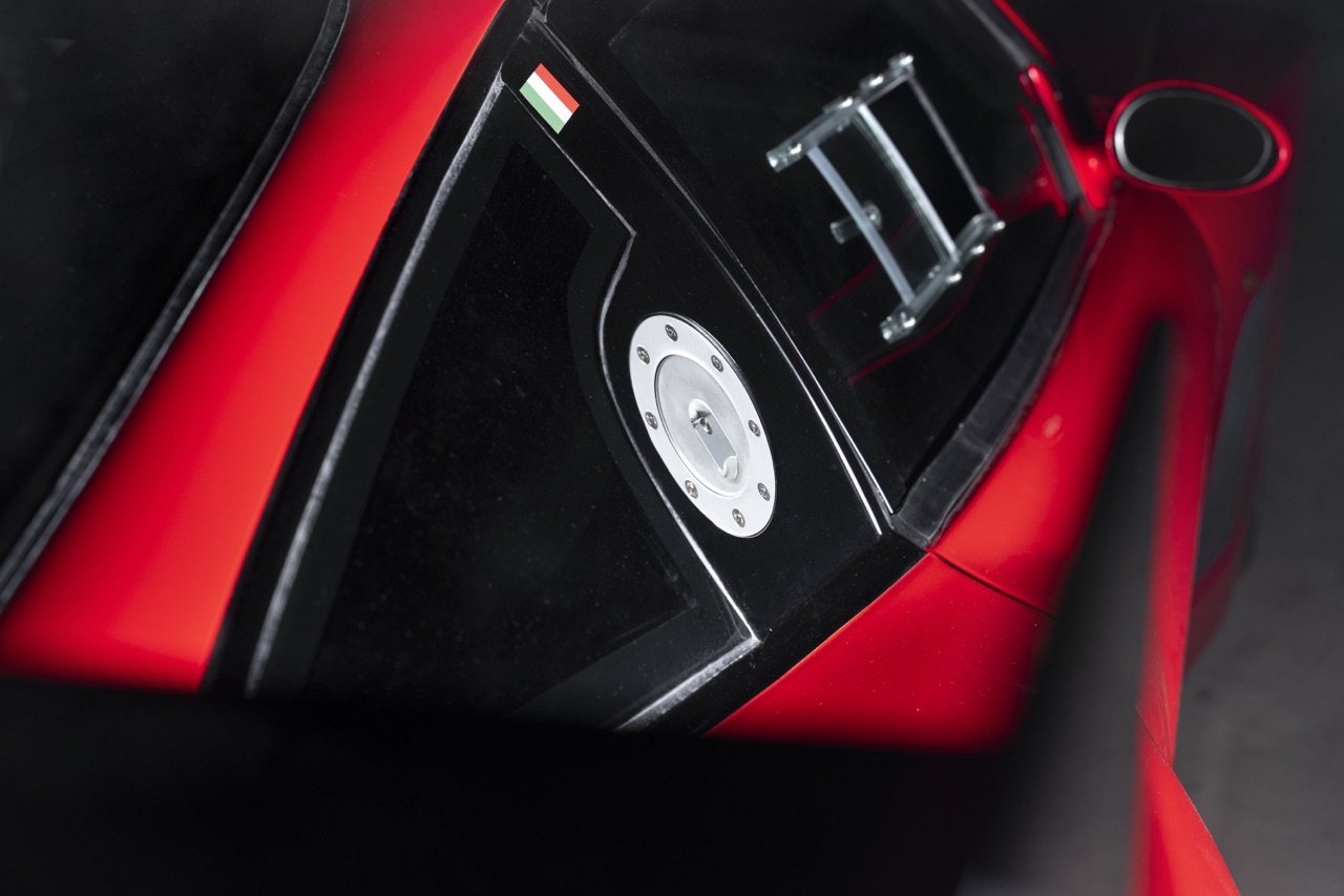 Ferrari 575 GTC Stradale... Oui, ça veut dire street legal ! 7