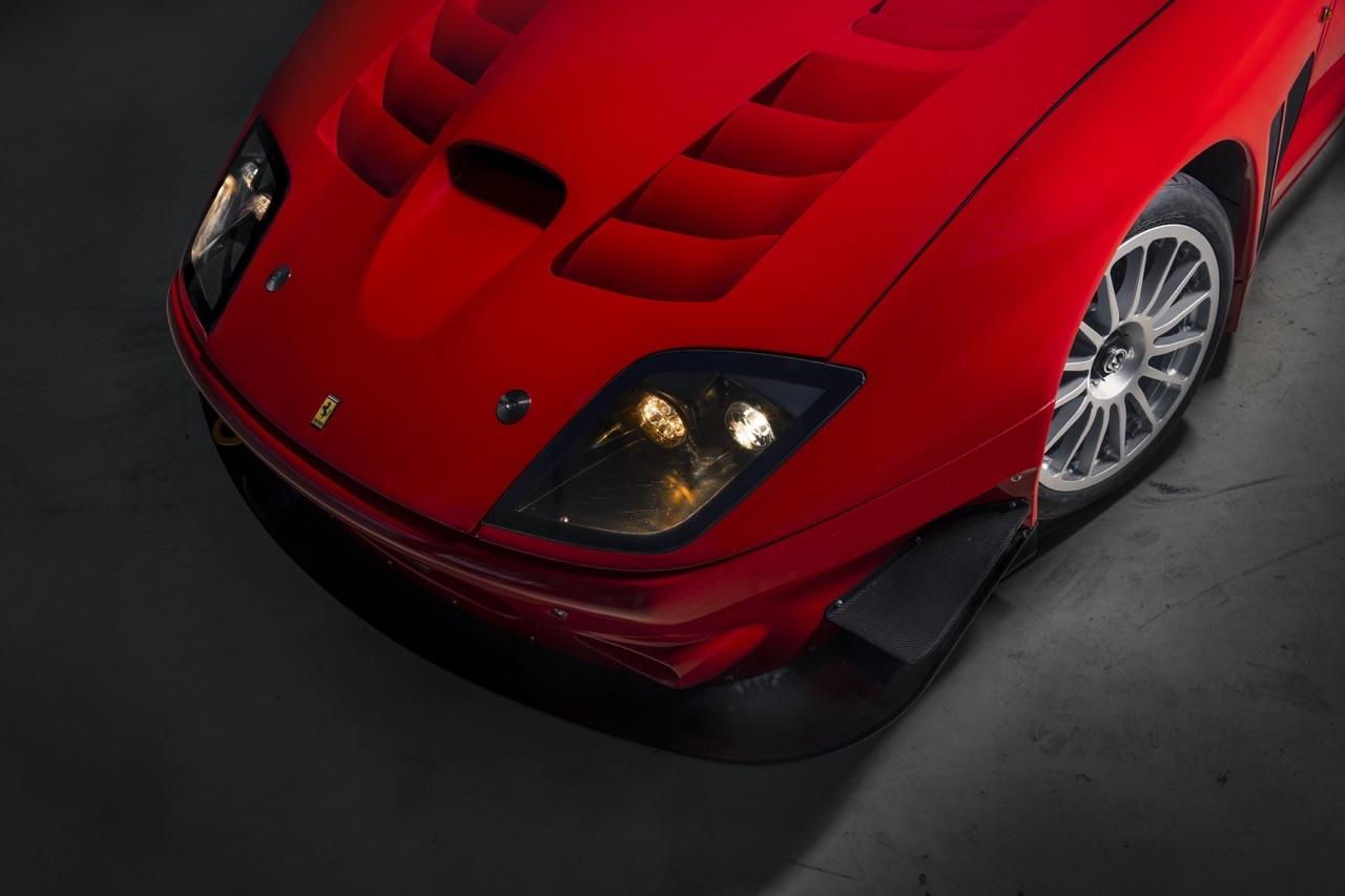 Ferrari 575 GTC Stradale... Oui, ça veut dire street legal ! 1