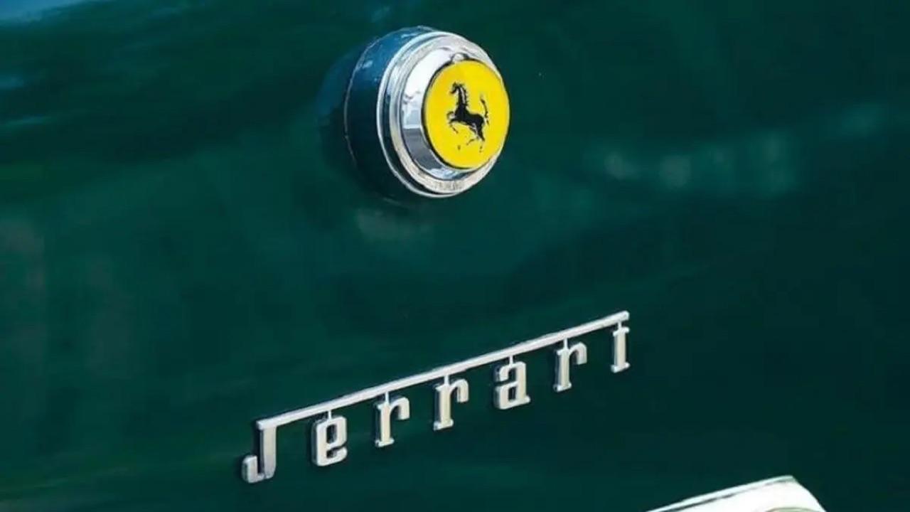 Jerrari... La fusion d'une Jeep et d'une Ferrari ! 5