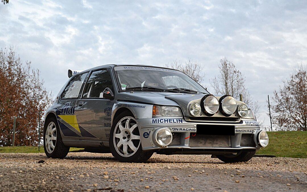Renault Clio Maxi – Bouffeuse d'asphalte