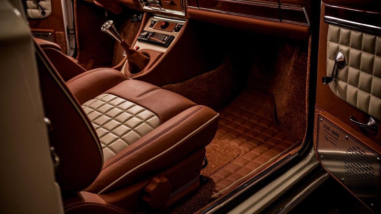 AvtoVAZ Lada 2101... A moins que ce soit une Bentley ! 8