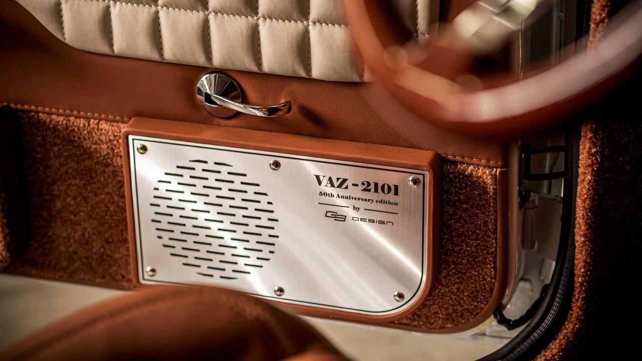 AvtoVAZ Lada 2101... A moins que ce soit une Bentley ! 9