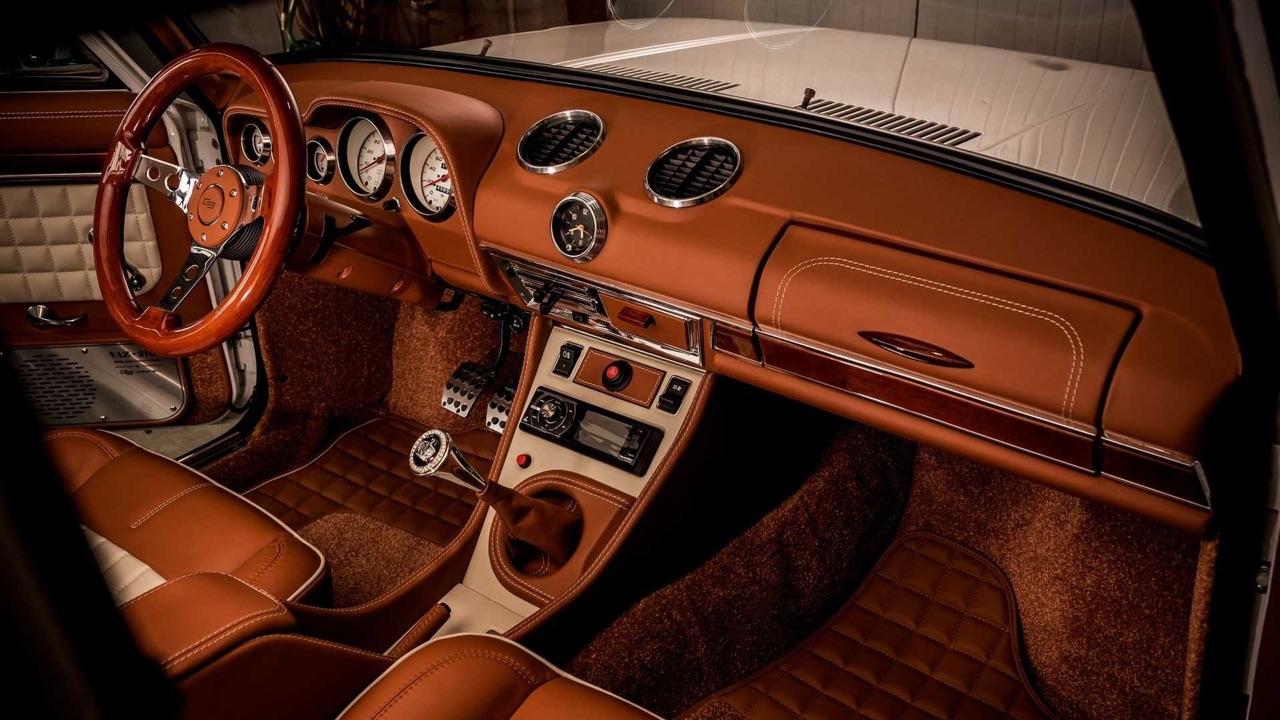 AvtoVAZ Lada 2101... A moins que ce soit une Bentley ! 6
