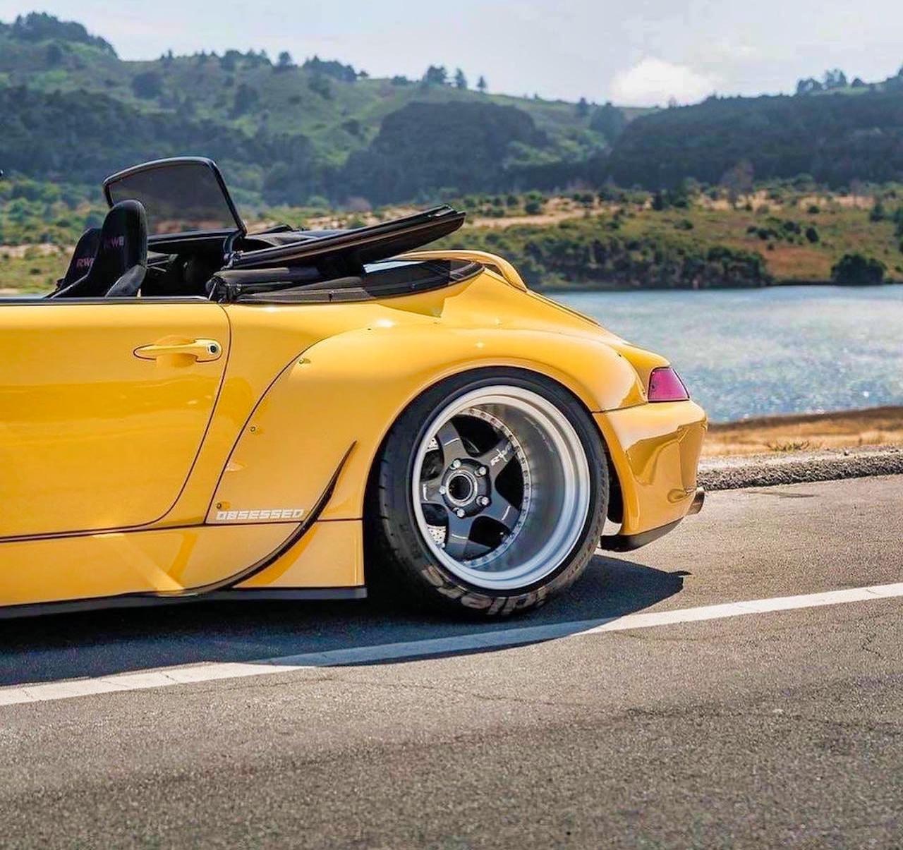 Porsche 993 Cab' RWB... et en plus, elle est jaune ! 9