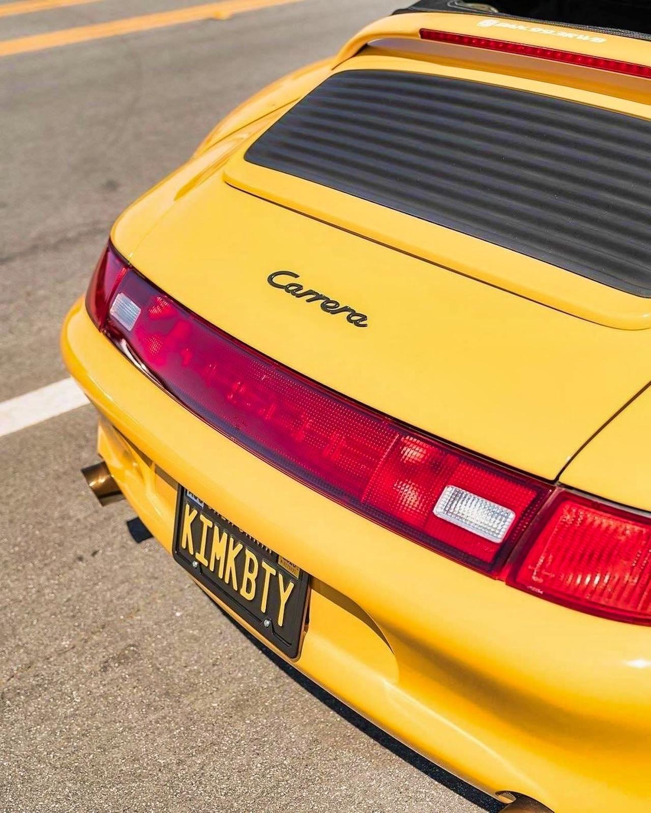Porsche 993 Cab' RWB... et en plus, elle est jaune ! 3