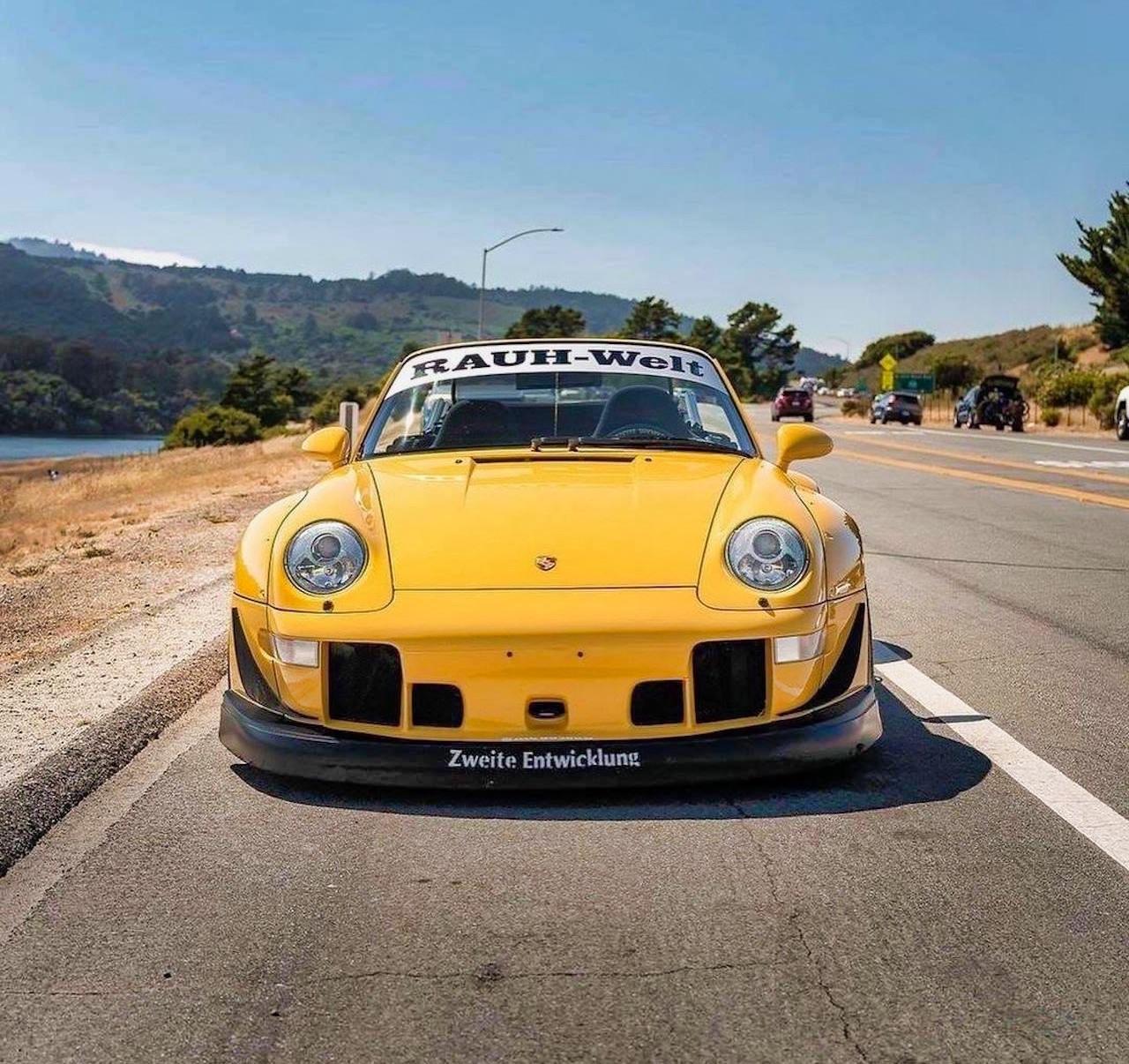 Porsche 993 Cab' RWB... et en plus, elle est jaune ! 6