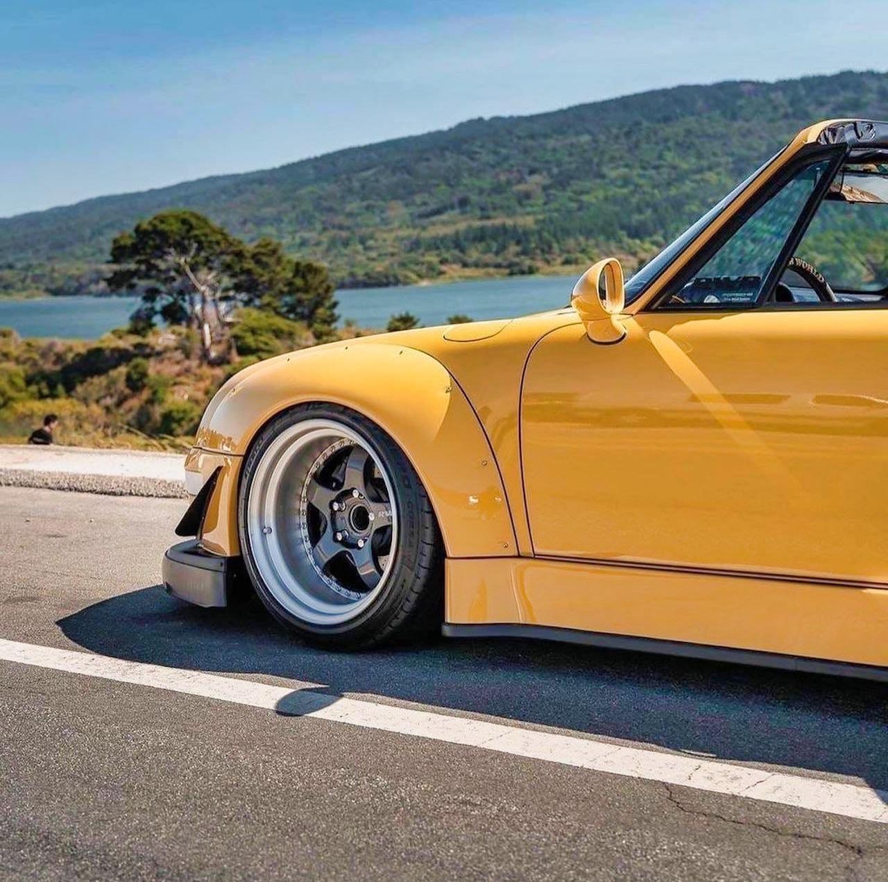 Porsche 993 Cab' RWB... et en plus, elle est jaune ! 4