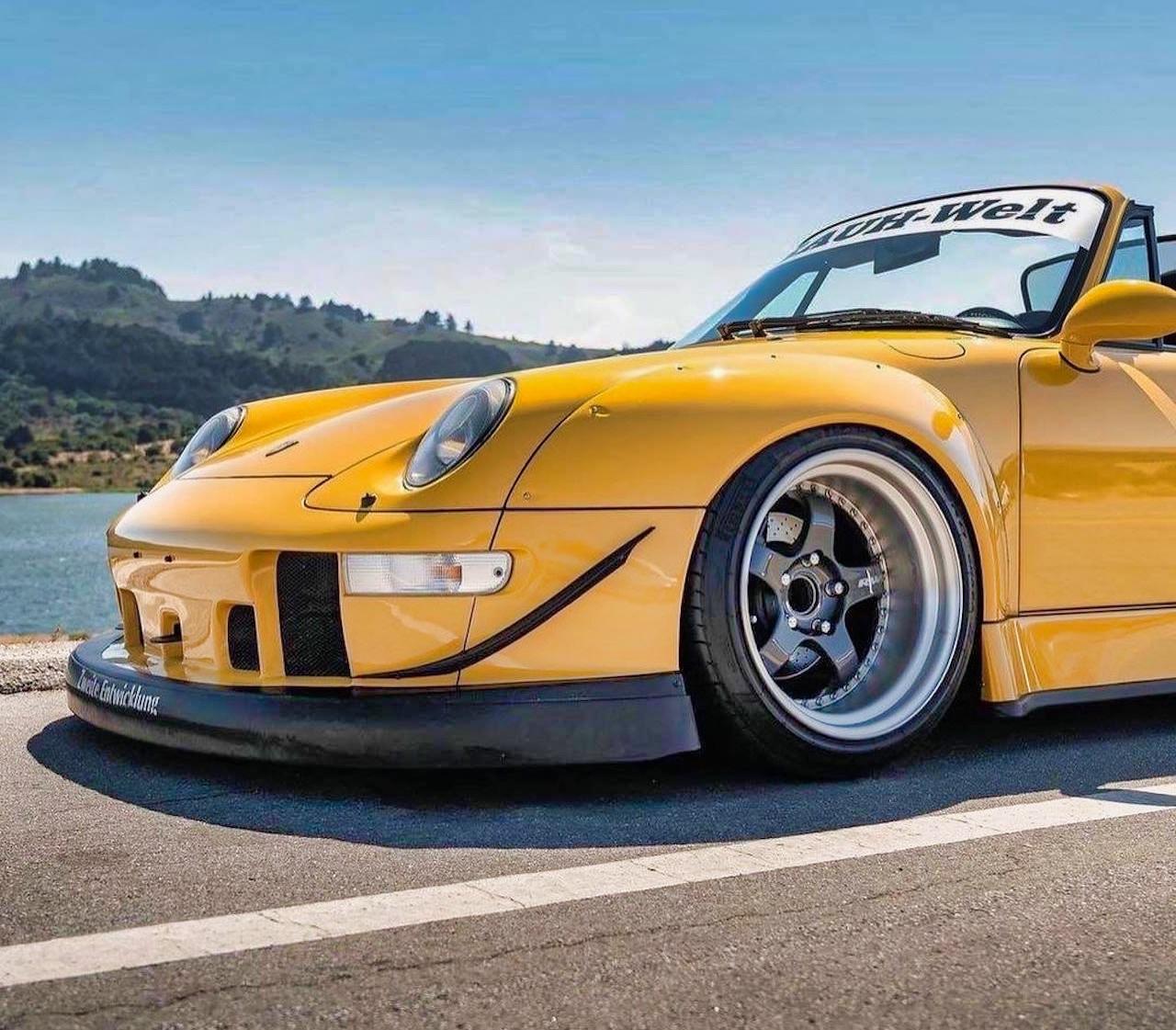 Porsche 993 Cab' RWB... et en plus, elle est jaune ! 1