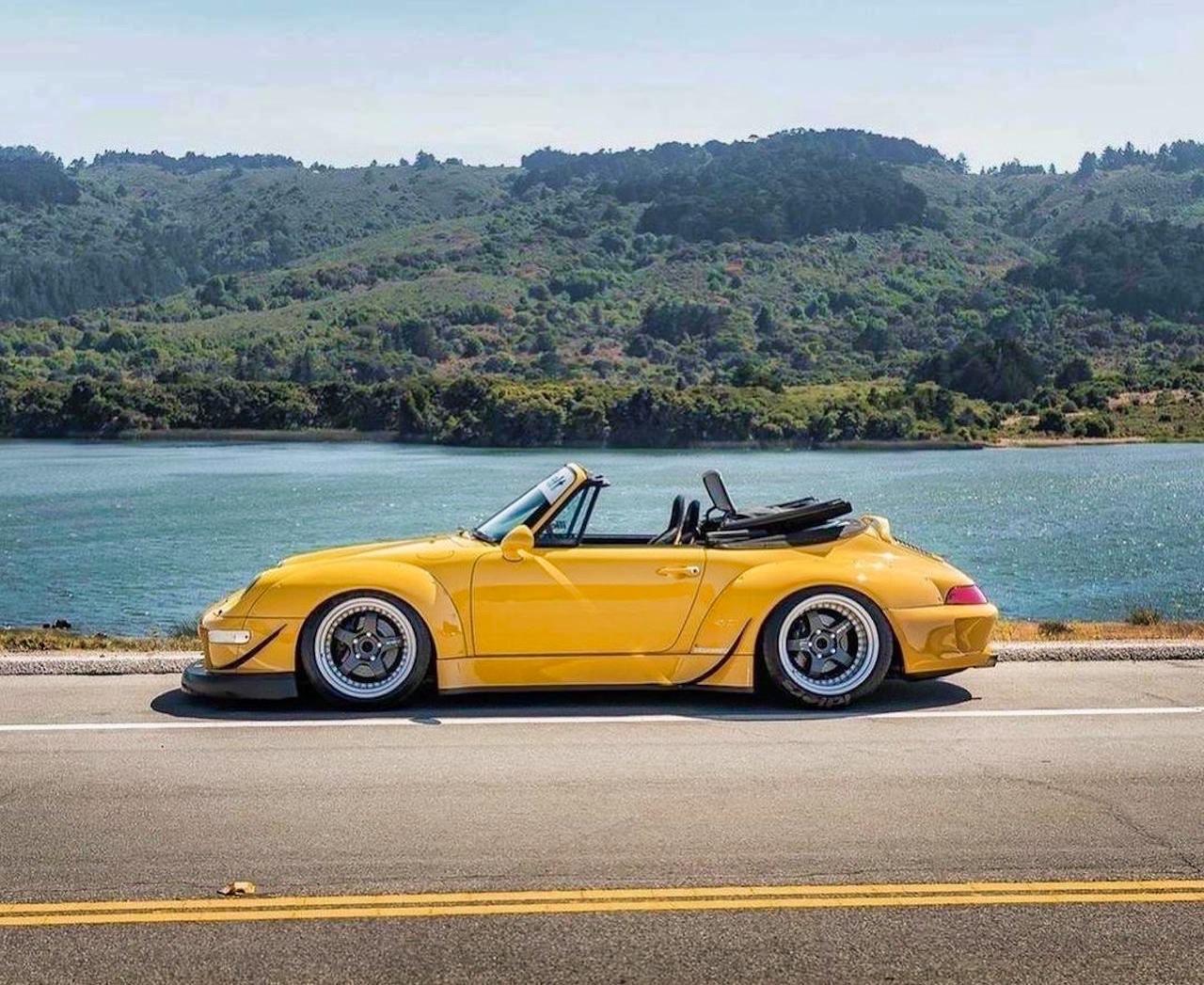 Porsche 993 Cab' RWB... et en plus, elle est jaune ! 2