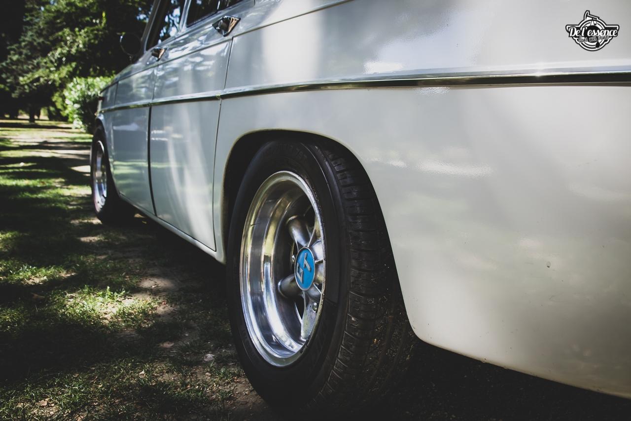 '67 R8 Gordini 1300 blanche... oui, blanche. 8