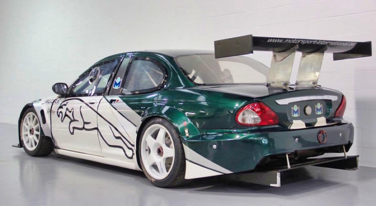 Jaguar X Type Silhouette - Sprinteuse en talon aiguille ! 2