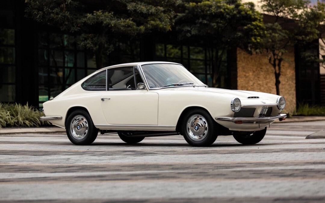 '68 BMW 1600 GT – Le reflet dans la Glas…