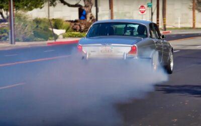 '70 Jaguar XJ6 V8 Big Block… 1000 ch pour la Reine Mère !