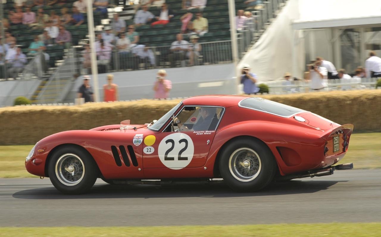Ferrari 250 GTO vs Maserati Tipo 151 : Battle à Goodwood 3