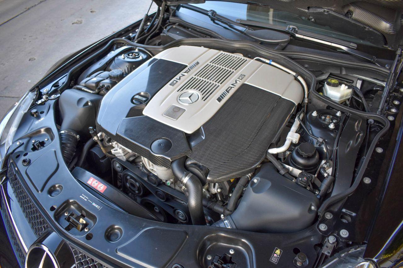 Mercedes SL65 AMG Black Series 2009 - Ténèbres, fattitude, et violence. 2