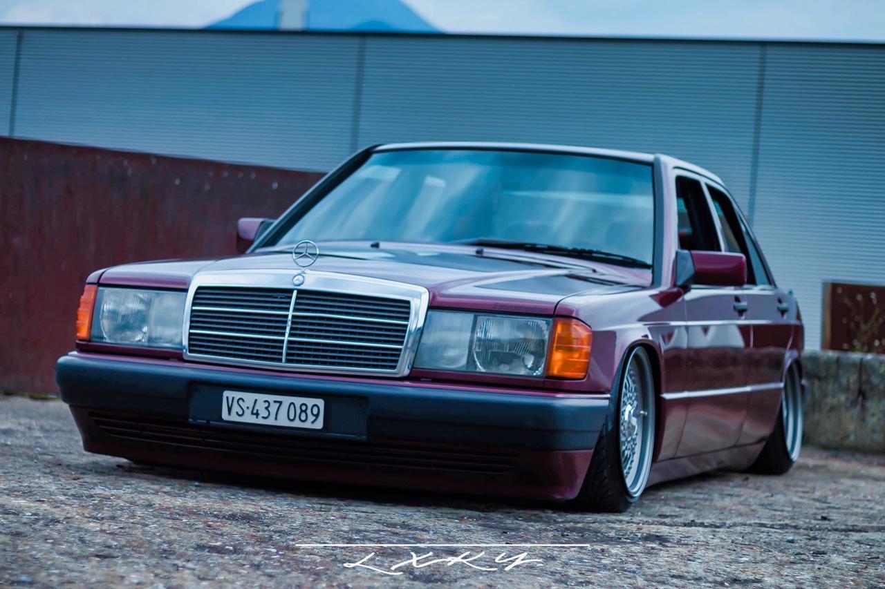 Bagged Mercedes 190 Avantgarde Rosso - Une occasion rare ! 1