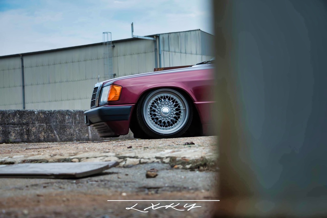 Bagged Mercedes 190 Avantgarde Rosso - Une occasion rare ! 13
