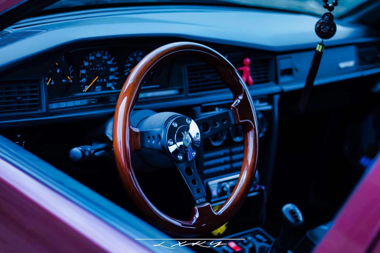 Bagged Mercedes 190 Avantgarde Rosso - Une occasion rare ! 12