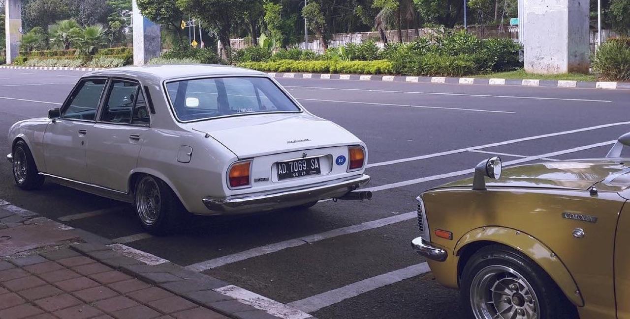 Slammed Peugeot 504... C'est loin l'Indonésie ?! 10
