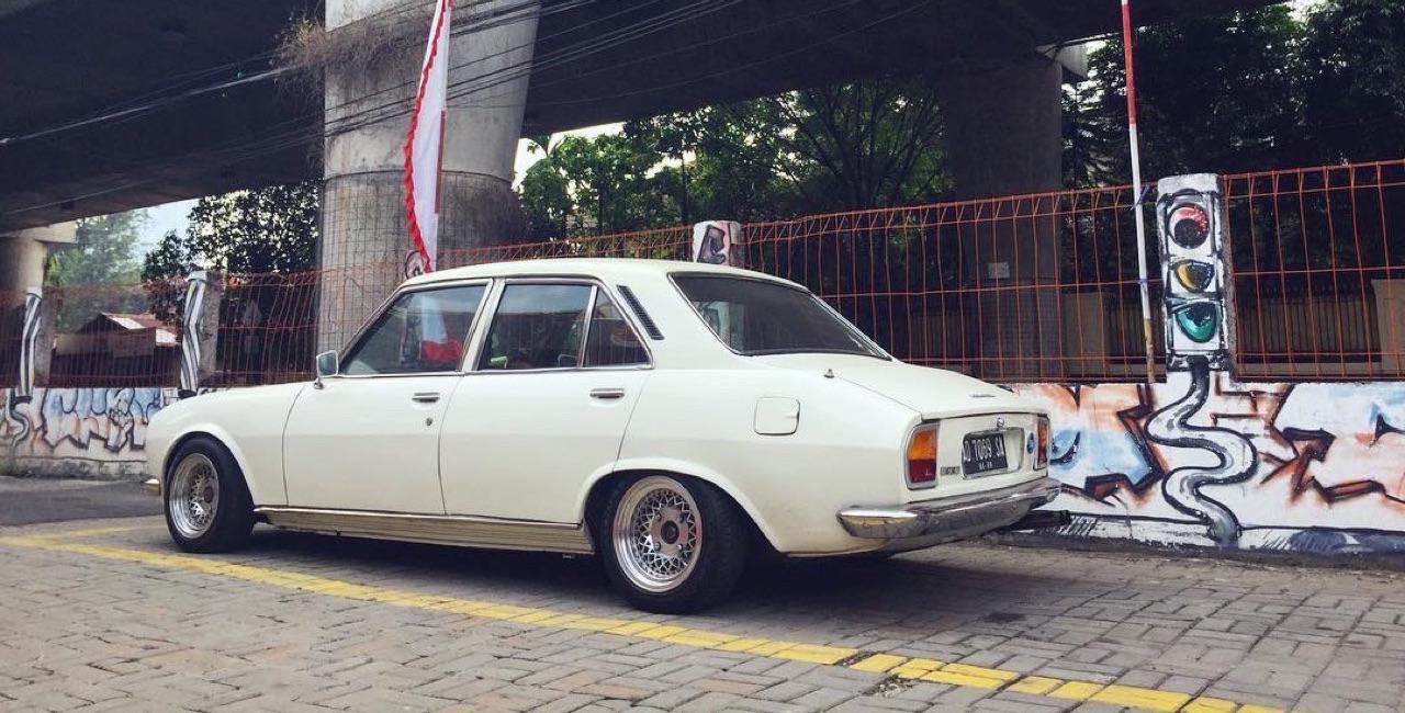 Slammed Peugeot 504... C'est loin l'Indonésie ?! 4