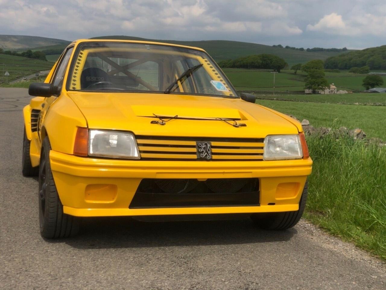 Quand tu transformes ton Porsche Boxster 2,7 en Peugeot 205 T16 ! 1