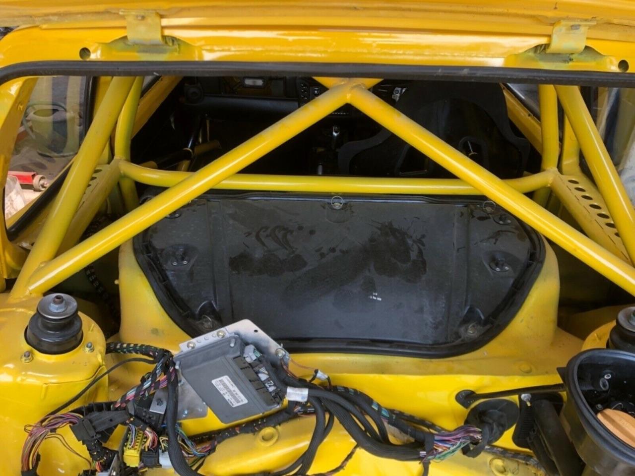 Quand tu transformes ton Porsche Boxster 2,7 en Peugeot 205 T16 ! 4