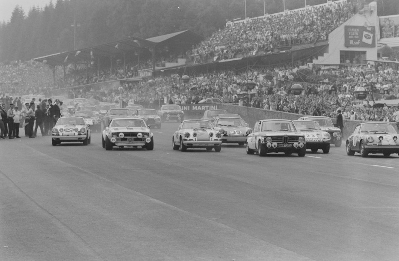 '69 BMW 2002 TiK... Quand l'escargot entre dans la course ! 2