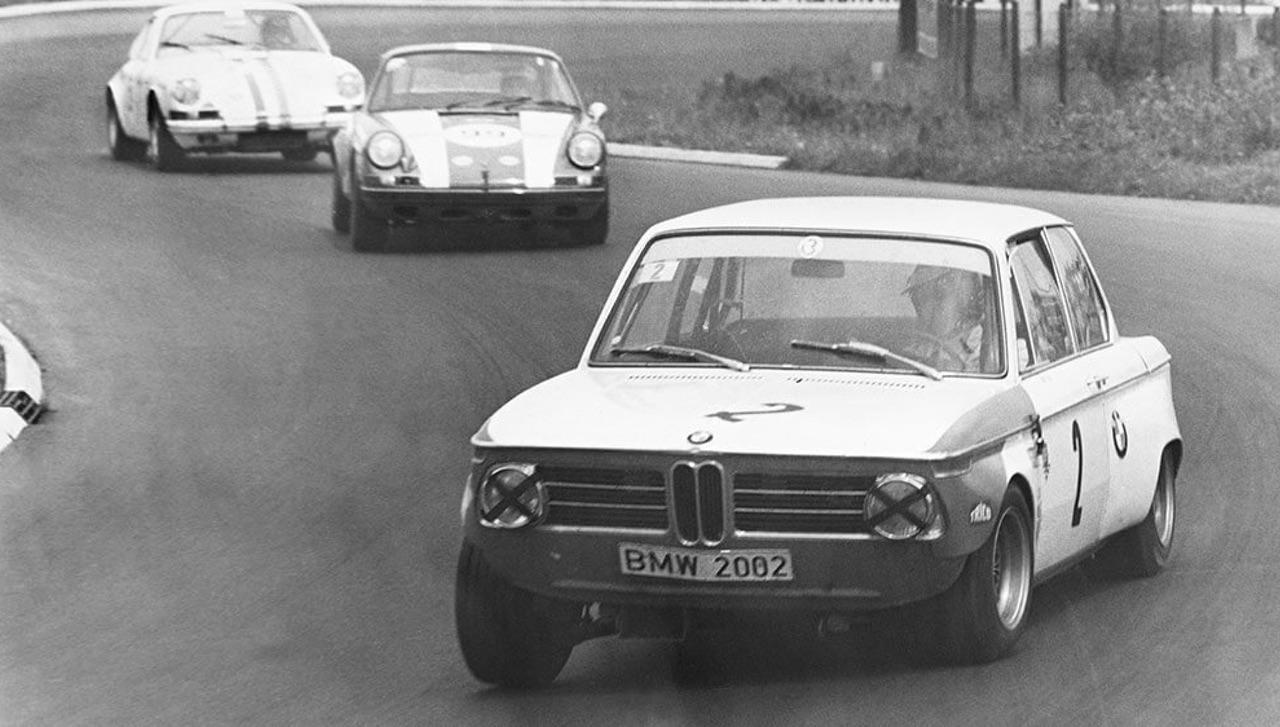 '69 BMW 2002 TiK... Quand l'escargot entre dans la course ! 3