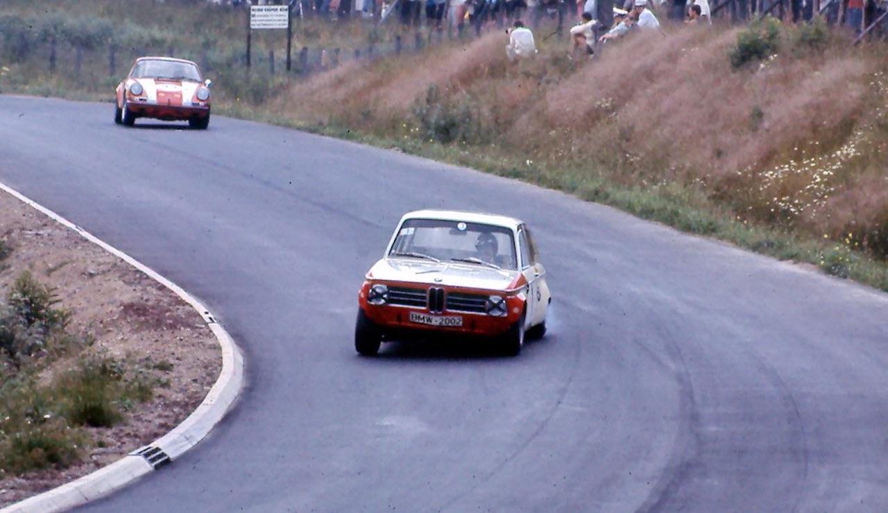 '69 BMW 2002 TiK... Quand l'escargot entre dans la course ! 7