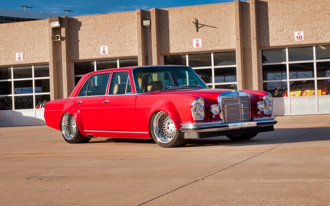 '69 Mercedes 280 SEL W108… Red Pig sauce BBQ !