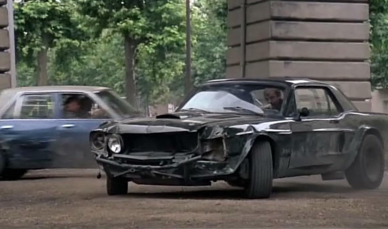 """Incontournable : La Ford Mustang de Belmondo dans """"Le marginal"""" 6"""