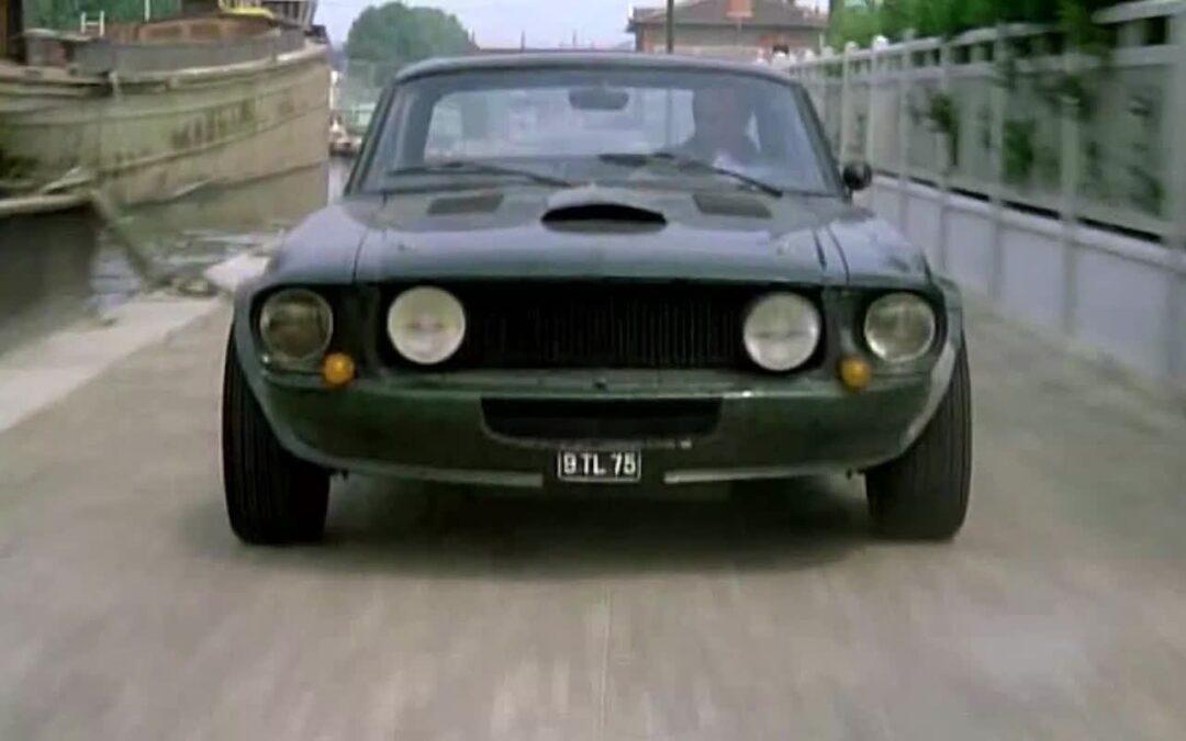 """Incontournable : La Ford Mustang de Belmondo dans """"Le marginal"""""""